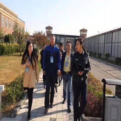 星聚律所党支部党员律师到天津女子监狱开展普及法律知识和帮教活动